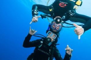 scuba-diving-buddies